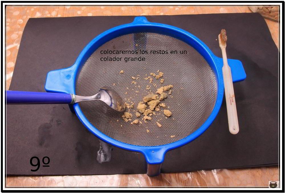 Paso 9 para extraer el hachis de la marihuana 9: Cómo extraer resina de la cosecha de tu cultivo de marihuana - Cómo hacer Ice o Lator